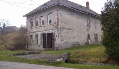 HORNÁ ŠTUBŇA 4 izbový rodinný dom, pôvodný stav na poz. 793m2, okr.Turčianske Teplice