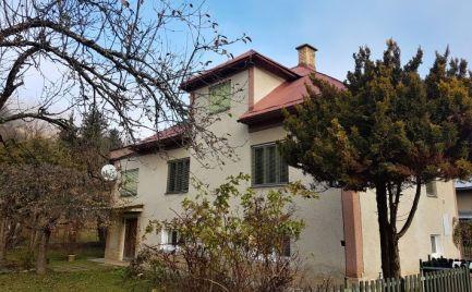 Dom v malebnej dedinke Mýto pod Ďumbierom - Nízke Tatry