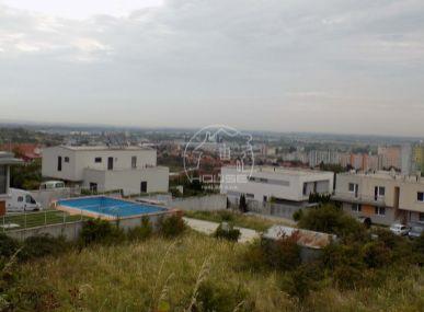 PREDAJ: Lukratívny stavebný pozemok , Pri kolíske - Rača, 815 m2 , vš. siete, stavebné povolenie