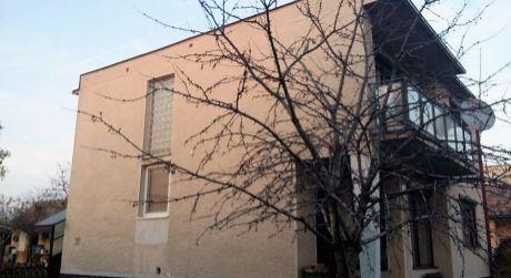 Predaj - čiastočne prerobený 4 izbový rodinný dom vo Svätom Petri