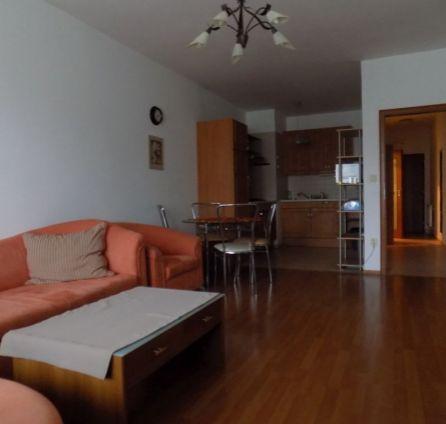 ZNÍŽENÁ CENA - Priestranný 2-izb, byt v novostavbe s balkónom a garážovým státím