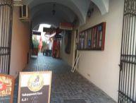 Ponúkame Vám na prenájom obchodné priestory Trnava, ul. Štefánikova, centrum mesta