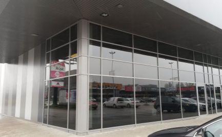 Obchodný priestor na prenájom - nákupné centrum v blízkosti IKEA