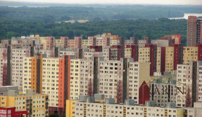 Hľadám prenájom 2 izbového bytu pre 5 robotníkov