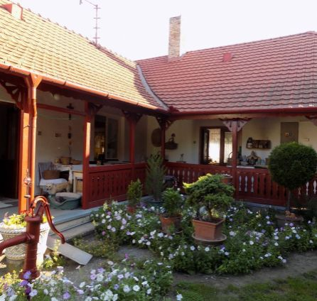 Starbrokers - Romantický gazdovský dom s veľkým pozemkom 2100 m2 vo Štvrtku na Ostrove, 15 km od Bratislavy