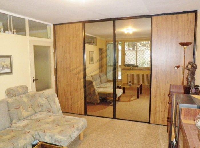 PREDANÉ - MEDENÁ, 2-i byt, 37 m2 – tehlový byt s OBROVSKOU TERASOU, orientovaný do dvora, v ABSOLÚTNOM CENTRE