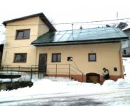 Predaj,čiastočne rekonštruovaný rodinný dom 6 km od B. Bystrice