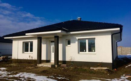Novostavba  bungalovu  s pozemkom  600m2   pri  hrádzi v obci Hamuliakovo za 149000€ !!! Posledný jeden !!!
