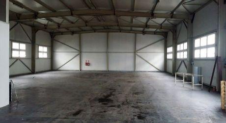 Prenájom - Sklad s kanceláriou s možnosťou vykladana kamionov v Komárne