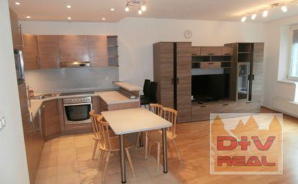 D+V real ponúka na prenájom: 3 izbový byt, Zámocká ulica, Staré Mesto, Bratislava I,  zariadený, klimatizácia, možnosť prenajatia garáže