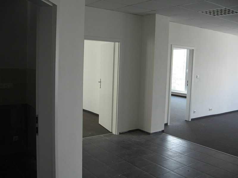 Polyfunkčný objekt-Predaj-Dubnica nad Váhom-124000.00 €