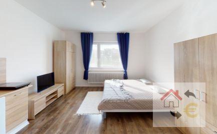 Prenajaté do 1.5.2021 - 1 izbový byt s kuchynským kútom po rekonštrukcii, zariadený