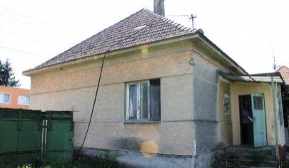 NITRIANSKA BLATNICA rodinný dom pôvodný stav s pozemkom 780m2, okr. Topoľčany