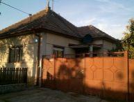 REALFINANC - REZERVOVANÉ !!! čiastočne prerobený 3 izbový rodinný dom v obci Slovenská Nová Ves, ul. Hlavná.
