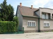 REALITY COMFORT- Na predaj rodinný dom s krásnou záhradou v Prievidzi. NOVÁ CENA !!
