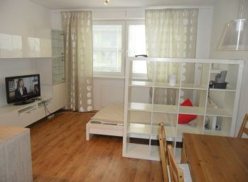 **PRENÁJOM: Kompletne zariadený 1 izb. byt v Stupave!!!