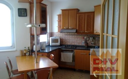 4 izbový rodinný dom, Lamač, Bratislava IV, parkovanie, záhradka, dobrá dostupnosť do BIS