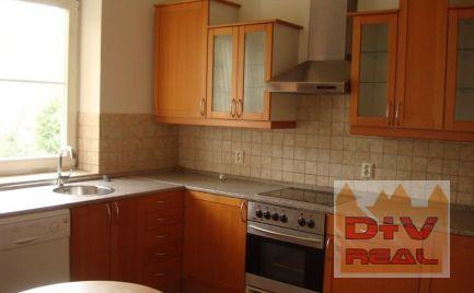 Predaj: Ponúkame priestrannú vilu s nádherným panoramatickým výhľadom na Bratislavu, v centre Bratislavy, v tichej a bezpečnej lokalite Palisády