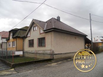 Predaj domu s pozemkom 777m2 v Hradišti pri Partizánskom.