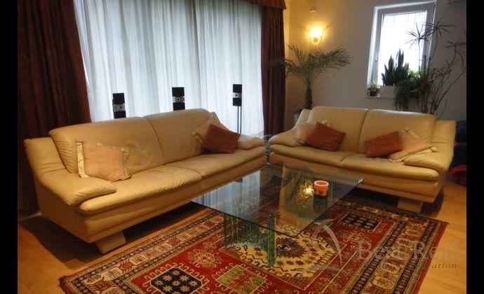 Best Real - prenájom priestranného  4-izbového bytu na Kramároch, Magurská ulica, 142m2, 7/8 poschodie.