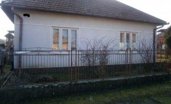 TOP: Príjemný, udržaný a zachovalý rodinný dom na predaj za exkluzívnu cenu.