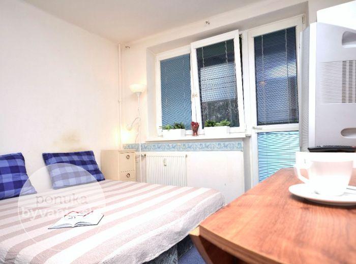 PREDANÉ - KOMINÁRSKA, 1-i byt, 25 m2 – TEHLA, priestranná kúpeľňa s vaňou, loggia, SUPER LOKALITA - širšie centrum Bratislavy