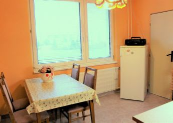 REZERVOVANÉ. 2i byt na predaj, nepriechodné izby, 61 m², Nitra - Chrenová
