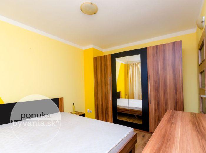 PREDANÉ - VRAKUNSKÁ, 2-i byt, 46 m2 – moderne KOMPLETNE ZARIADENÝ, novostavba, tehla, balkón, pivnica, lokalita plná zelene, dostupné IHNEĎ