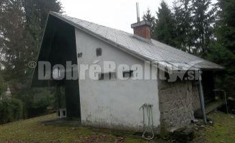 Ponúkame na predaj chatu v Marčeku aj s vybavením za cenu 1 izbového bytu v Žiline.