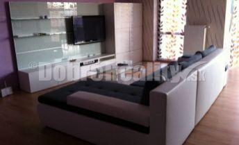 Ponúkame  na prenájom luxusný 3 izbový byt na Tajovského ulici v Žiline.