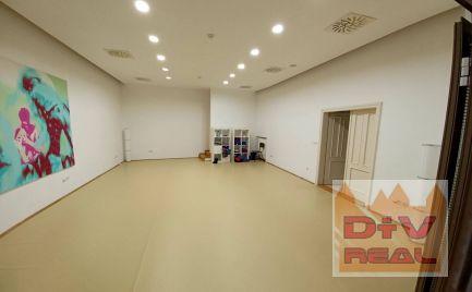 Prenájom: Administratívne priestory  (5 kancelárií + príslušenstvo) na Ventúrskej ulici na prenájom, možnosť parkovania