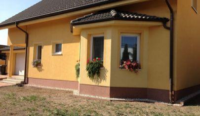 Zaujímavá ponuka  - veľký rodinný dom s pozemkom v obci Zvončín okr. Trnava