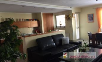 DRK- 4 izbový luxusný tehlový byt s 3 loggiami na predaj