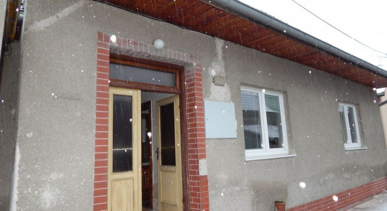 Na predaj 2 izbový rodinný dom 1470 m2 Prievidza, Kľačno