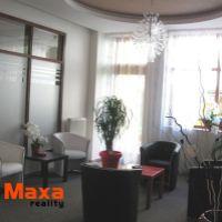 Obchodné, Senica, 151 m², Kompletná rekonštrukcia