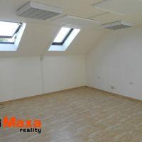 Kancelárie, Holíč, 24 m², Čiastočná rekonštrukcia