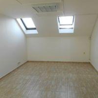 Kancelárie, Holíč, 18 m², Čiastočná rekonštrukcia