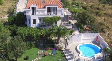 Nádherná Villa, Makarská