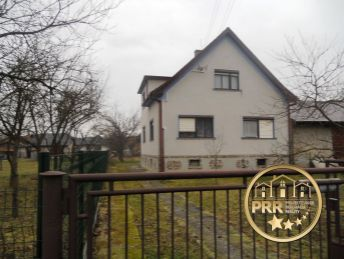 Znížená cena !!! Predaj domu v Krásnej Vsi s pozemkom 688m2.