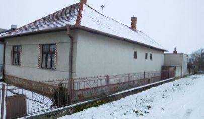 Kamanová,rodinný dom 3 izb. s pozemkom 1388m2, okr Topoľčany