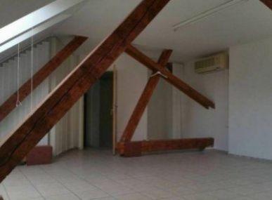 Maxfin Real - Ponúkame na prenájom v časti Staré Mesto kanceláriu vhodnú na komerčné účely