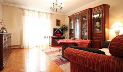 KRÁSNY 2-izb. TEHLOVÝ byt (65m2) s balkónom do parku, 2x pivnica, Pasteurovo nám. / Košice - Juh