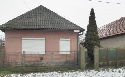 Vidiecky dom s pozemkom 24á Veľký Kýr