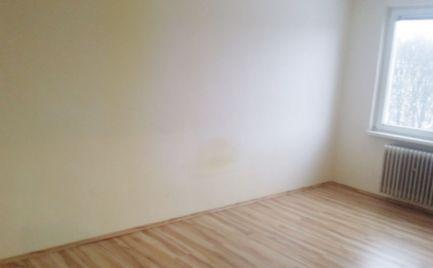 3 - izbový byt 71 m2 s predzáhradkou v dobrej  lokalite Martin - Podháj