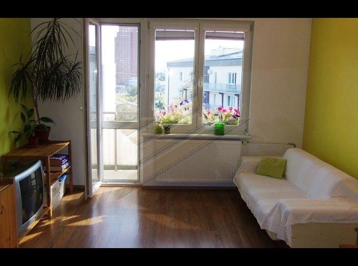 PREDANÉ - ČSL. PARAŠUTISTOV, 1,5–i byt, 52 m2, 2 x loggia, kompletná rekonštrukcia, klíma, Nové mesto