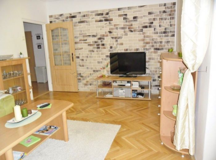 PREDANÉ - SEGNEROVA, 3-i byt, 68 m2 - byt a dom po rekonštrukcii, VÝBORNÁ DISPOZÍCIA, s veľkou loggiou, TOP LOKALITA, PRE MILOVNÍKOV PRÍRODY
