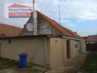 REALFINANC - Ponúkame Vám na predaj po rekonštrukcii 3 izbový rodinný dom v obci Siladice