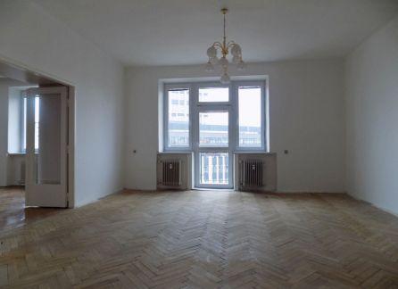 StarBrokers - Predaj - Priestranný tehlový 3-izbový byt (možnosť prerobenia na 3,5-izbový byt) v zrekonštruovanom dome