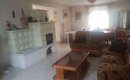 Na predaj veľký 5 izbový rodinný dom s krásnou terasou a 662m2 pozemkom