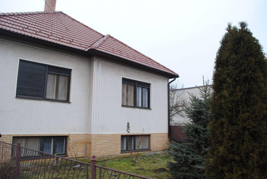 Predaj Rodinné domy Hronovce-2